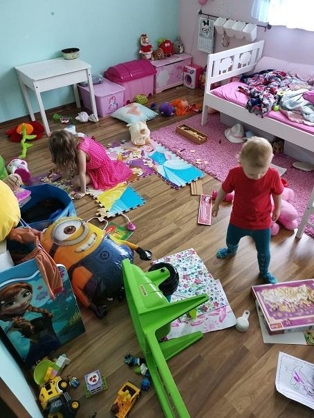 Czy w pokojach Waszych dzieci nie jest wszystkiego za dużo?